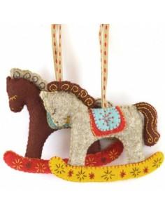 Kit créatif en feutrine - les chevaux à bascule